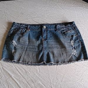 Almost Famous mini skirt sz 15